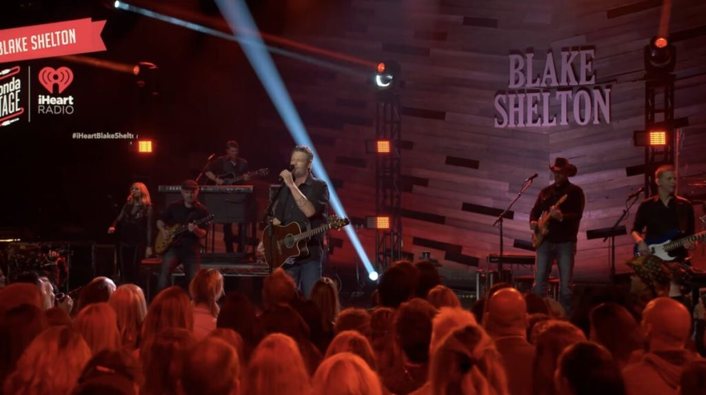 Blake Shelton – Boys 'Round Here (Live on the Honda Stage at the iHeartRadio Theater LA)