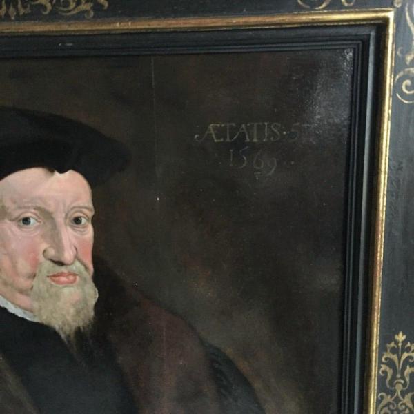 Portrait on oak panel UK, 1569 Closeup of signature