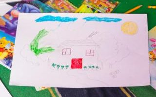 The_drawing_of_a_house_by_the_Duchess_of_Cambride