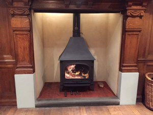 Stovax Stockton 11 multi fuel stove with hood