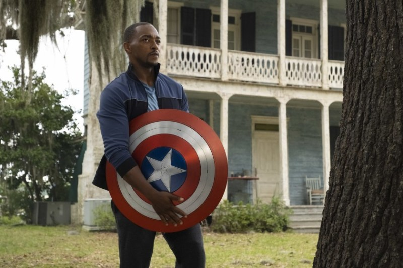 Anthony Mackie as Sam Wilson in Falcon and the Winter Soldier, holding The Shield.