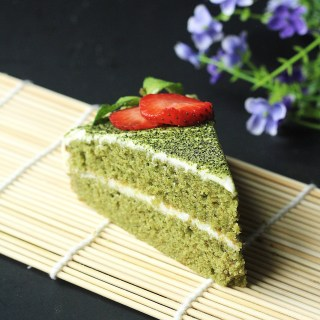 Green Tea Cake White Chocolate Buttercream