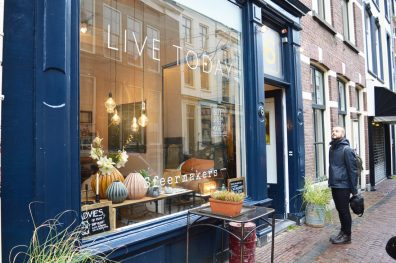 Puha Shopping Route Gay Couple City Weekend Utrecht © Coupleofmen.com