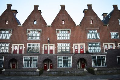 Beautiful Dutch houses | Gay Couple City Weekend Groningen © CoupleofMen.com