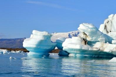 Different forms of hundreds of icebergs | Zodiac Tour Glacier Lagoon Jökulsárlón © CoupleofMen.com