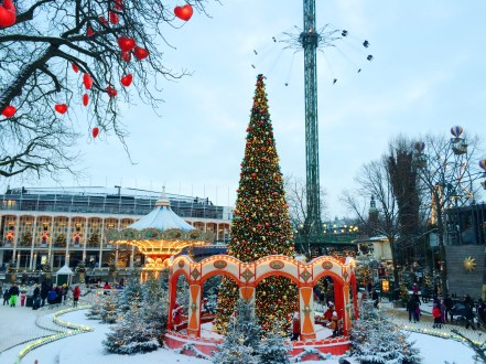tivoli_gardens_copenhagen_in_winter_christmas_time_05