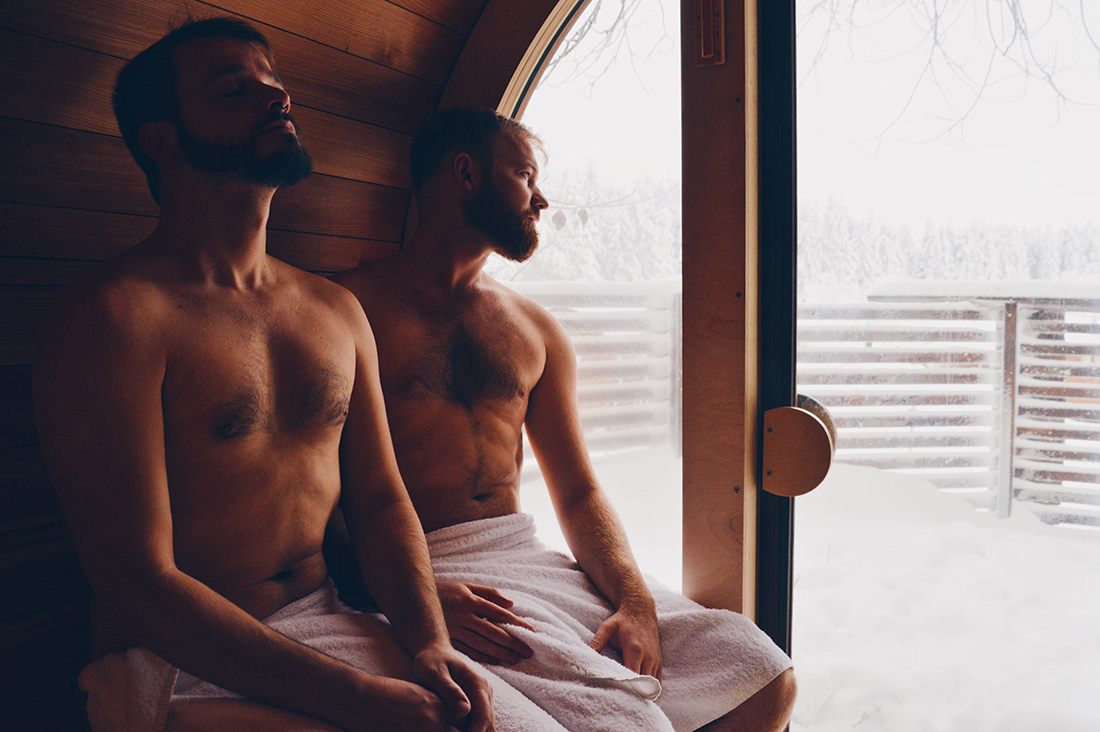 gay couple two men in sauna Slumber Wine Barrel Taufsteinhütte Central Germany © CoupleofMen.com