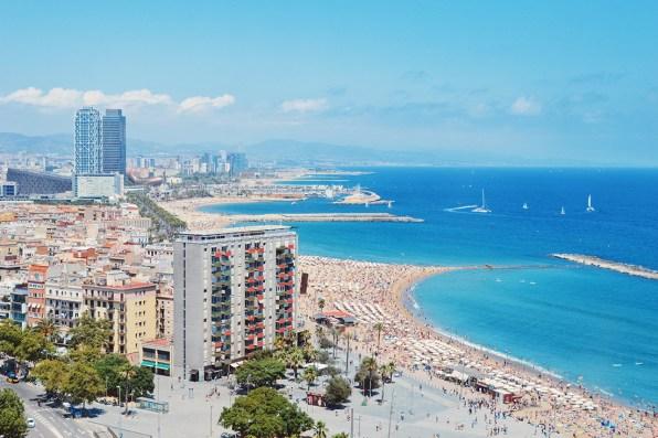 Teleférico del Puerto Port Cable Car Barcelona Surf House Barcelona Food Drinks Beach View © CoupleofMen.com