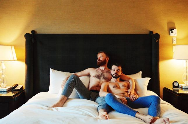 Karl & Daan in Bed | Fairmont Banff Springs Castle Hotel gay-friendly © CoupleofMen.com
