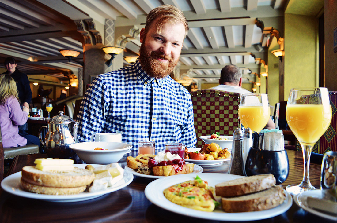 Daan at Breakfast with Mountain View | Fairmont Banff Springs Castle Hotel Gay-Friendly © CoupleofMen.com