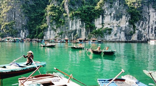 Halong Bay view | Top Highlights Best Photos Gay Couple Travel Vietnam © CoupleofMen.com