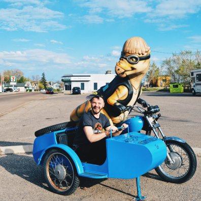 Karl driving away | Dinosaurs Royal Tyrrell Museum Palaeontology Drumheller Alberta Canada © CoupleofMen.com