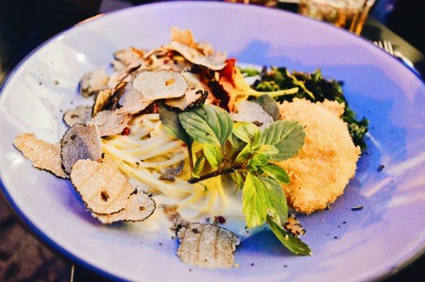 Truffle Pasta for Dinner at Rocket Bistro | ROCKET ROOMS Velden Wörthersee gay-friendly © CoupleofMen.com