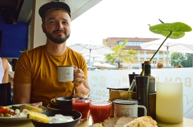 Karl & Coffee - additional to Daan, his big love ;) | ROCKET ROOMS Velden Wörthersee gay-friendly © CoupleofMen.com