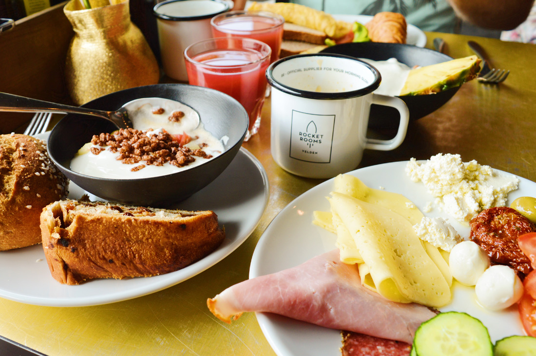 Good coffee for a good breakfast | ROCKET ROOMS Velden Wörthersee gay-friendly © CoupleofMen.com