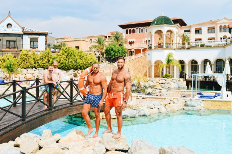 Photos with two models from Tel Aviv by the Pool | The Level Meliá Villaitana Benidorm gay-friendly © CoupleofMen.com