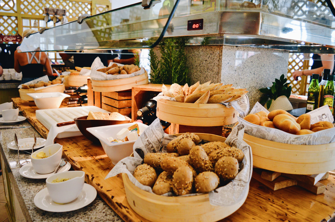 Bread and cheese buffet © CoupleofMen.com