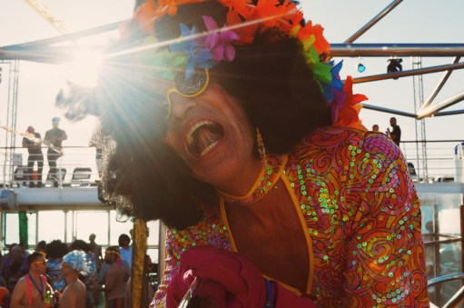 Disco Screaming colors | Disco T-Dance Party The Cruise 2017 © CoupleofMen.com