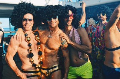 Colors of the night: Gold, Black and Color! | Disco T-Dance Party The Cruise 2017 © CoupleofMen.com