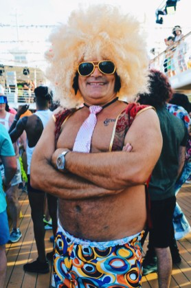 We are in love with this Disco Wig | Disco T-Dance Party The Cruise 2017 © CoupleofMen.com