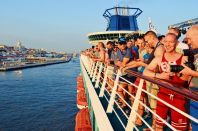 Fantastic atmosphere onboard | Gay Couple Travel Diary The Cruise 2017 © CoupleofMen.com
