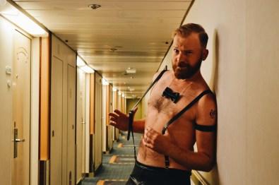 Daan in his Gala outfit © CoupleofMen.com