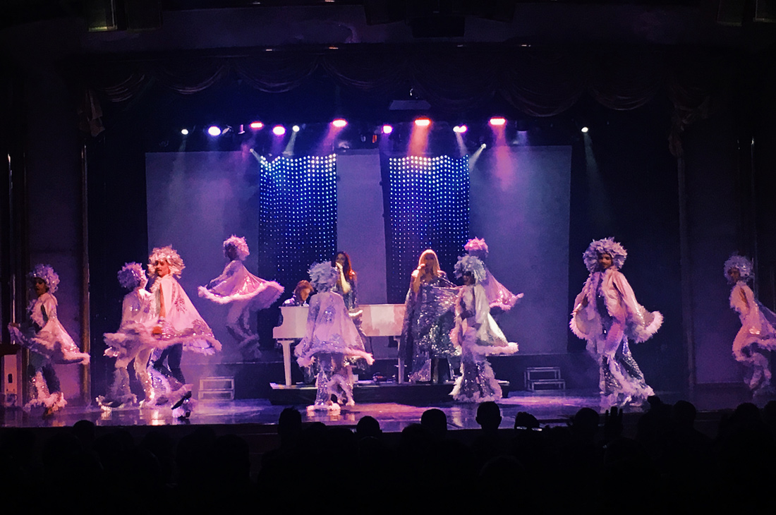 ABBA Show onboard the Monarch | Gay Couple Travel Diary The Cruise 2017 © CoupleofMen.com