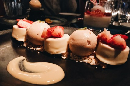 Sweet creations as dessert at Mott 32 | Gay-friendly Restaurants Vancouver © Coupleofmen.com