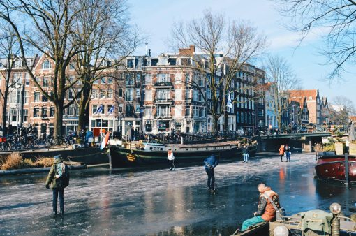 Houseboat Museum Amsterdam | Amsterdam Frozen Canals © Coupleofmen.com