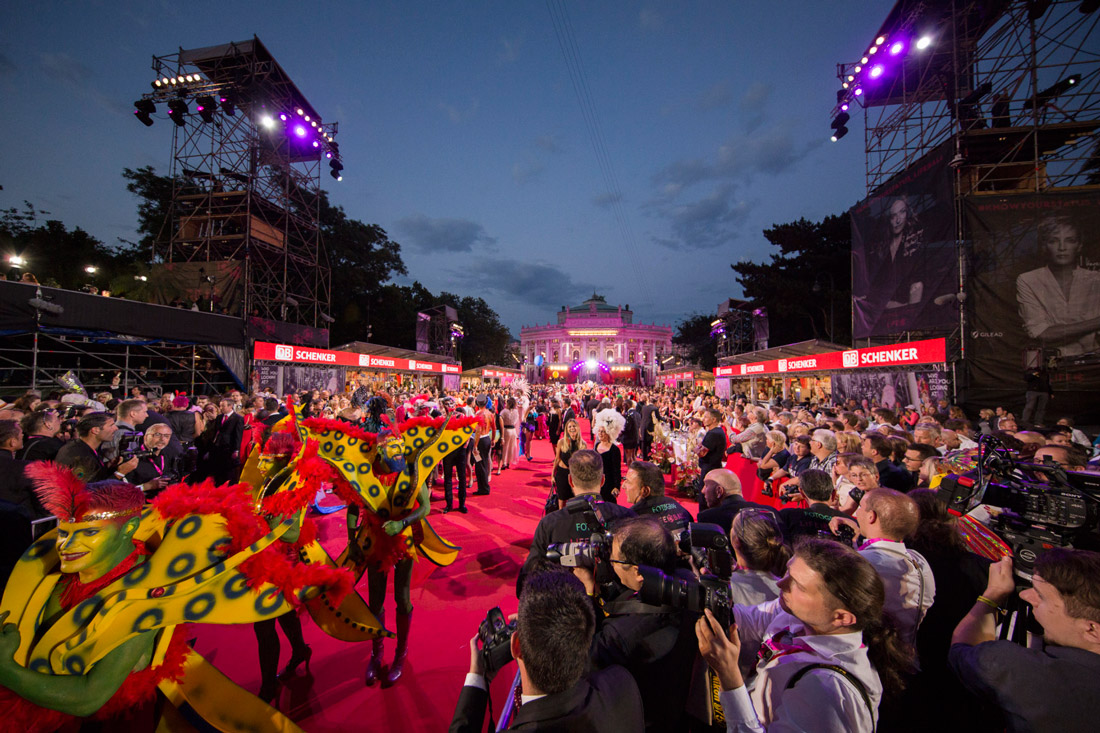 Red Carpet Walk and Opening Ceremony Life Ball 2017 | The 25th Life Ball Vienna Austria © Life Ball/ Jürgen Hammerschmid
