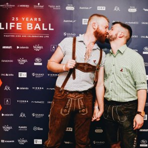 Gay Wien Designhotel Le Méridien Gay Kiss for Aids Charity Gala Life Ball 2018 | Gay-friendly Design Hotel Le Méridien Vienna © Coupleofmen.com