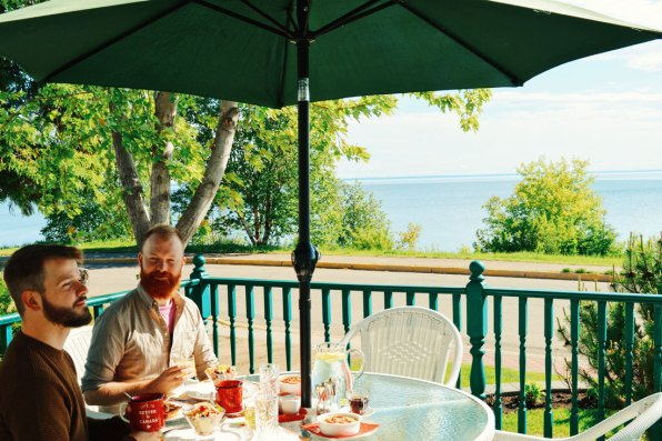 Breakfast with a view at Waterfront Harbour B&B Cold Lake | Road Trip Edmonton Northern Alberta © Coupleofmen.com