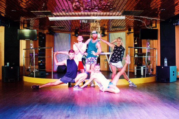 Daan and the E Talon crew posing after Voguing classes | Gay Cruise by Open Sea Cruises x Axel © Coupleofmen.com