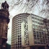 Contrasts of modern and historical architecture | Kurztrip London Tipps Tricks © Coupleofmen.com