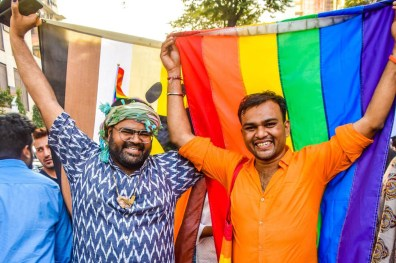 Bears and Queers holding proudly their flags © QGraphy