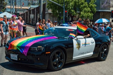 The Sheriffs car dressed in rainbow colored flags during the LA Pride Parade 2019 © Coupleofmen.com