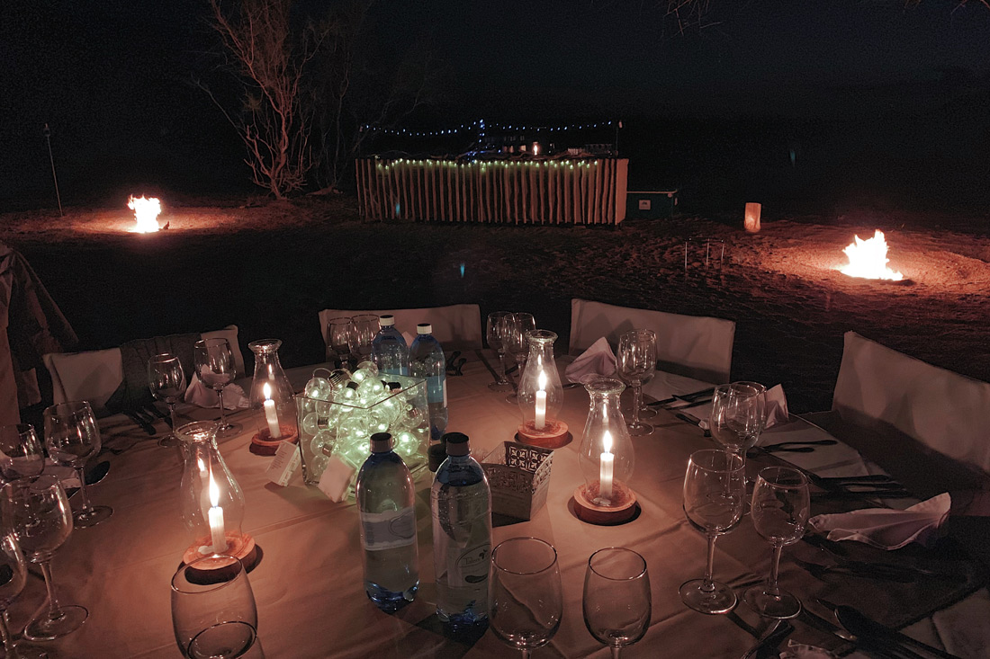 Bush dinner under the stars of the Milky Way in the Namib-Naukluft National Park staying at the Sossusvlei Lodge © Coupleofmen.com