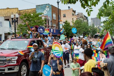 Chicago Gay City Tipps RuPauls Drag Race Queen Vixen at Chicago Pride Parade 2019 © Coupleofmen.com