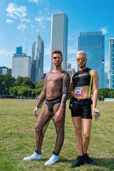 Chicago Gay City Tipps Dressing up for the Pride Park Festival Saturday before Chicago Gay Pride Parade 2019 © Coupleofmen.com
