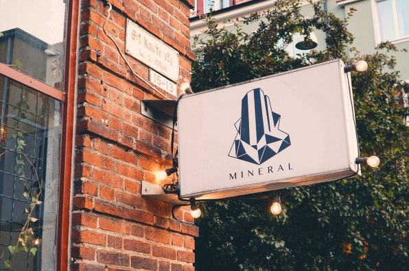 Mineral Vegan Restaurant Malmö Illuminated sign and logo of the Mineral Restaurant Malmö © Coupleofmen.com