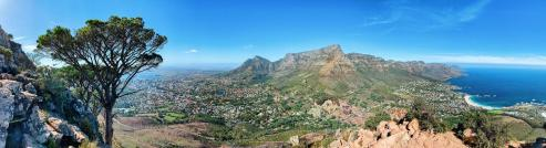 Spectacular Panorama View: Table Mountain in the center, Camps Bay on the right, Cape Town on the left © Coupleofmen.com