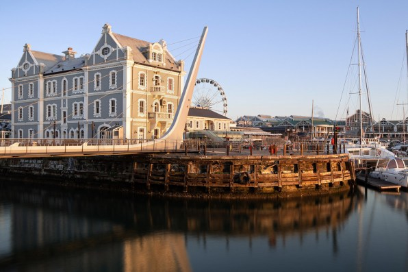 V&A Waterfront of Cape Town by sunset © Coupleofmen.com