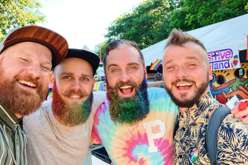 Home in Portland, we met the two guys behind @thegaybeards and no, they are not a couple! © Coupleofmen.com