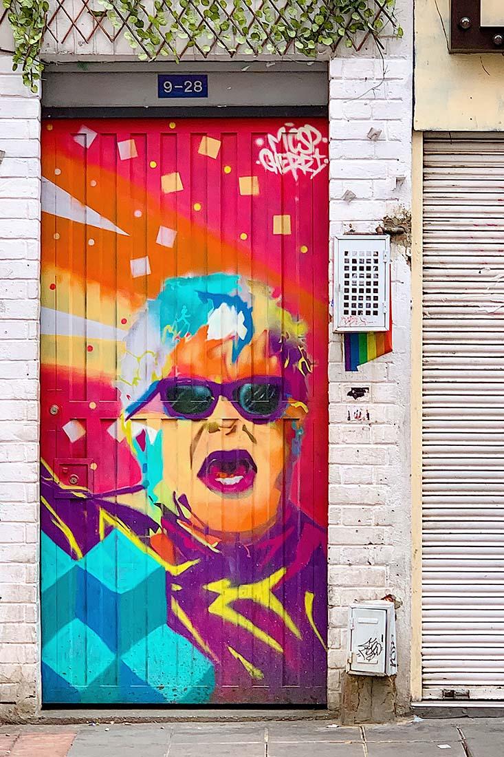 Fantastic portrait street art of Elton John in Chapinero © Coupleofmen.com