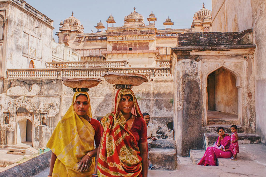 The colors! Karl loved exploring the Orchha Fort Complex © Coupleofmen.com