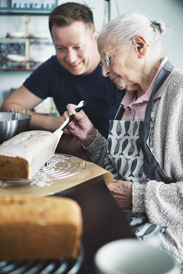 Die Jungs kochen und backen Learning from the pro - Torsten and grandma Lore