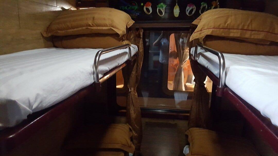 Hanoi+Sapa+train+cabin+vietnamrailways+budget+sleeper