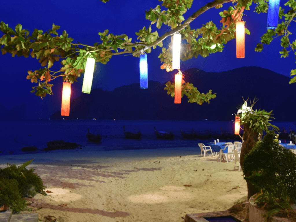 An-image-showing-the-best-from-the-best-place-to-stay-in-Phi-Phi