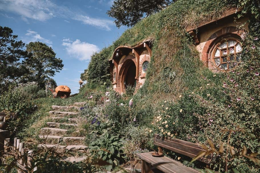 hobbiton, hobbiton-instagram, hobbiton-tours, things-to-do-nz, nz-roadtrip-north-island