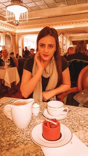angelina-cafe-paris-interior-afternoon-tea